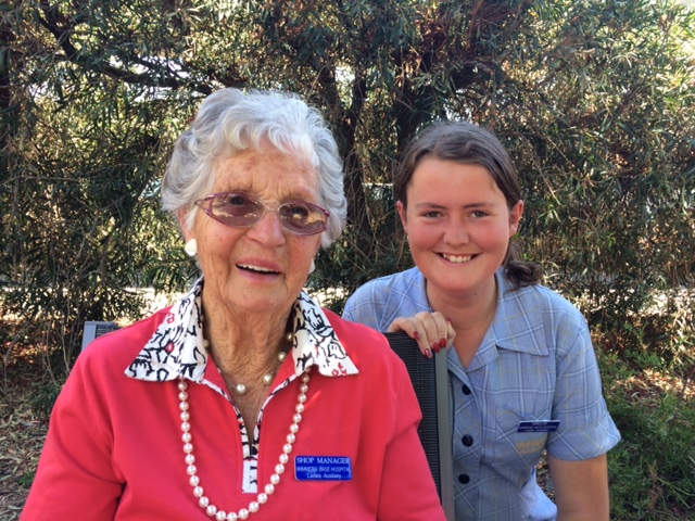 IVD 2015 Ethel Holland and Millie Kemp